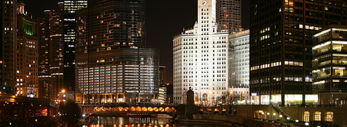 Chicago_River_night.png